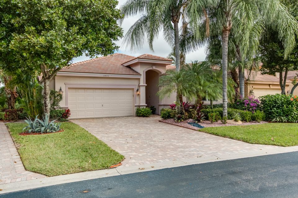 Additional photo for property listing at 10823 Royal Devon Way 10823 Royal Devon Way Wellington, Florida 33449 United States