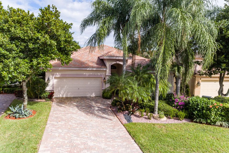 Single Family Home for Sale at 10823 Royal Devon Way 10823 Royal Devon Way Wellington, Florida 33449 United States