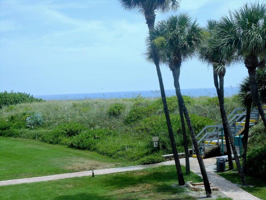 Co-op / Condo للـ Rent في 2400 S Ocean Drive 2400 S Ocean Drive Fort Pierce, Florida 34949 United States