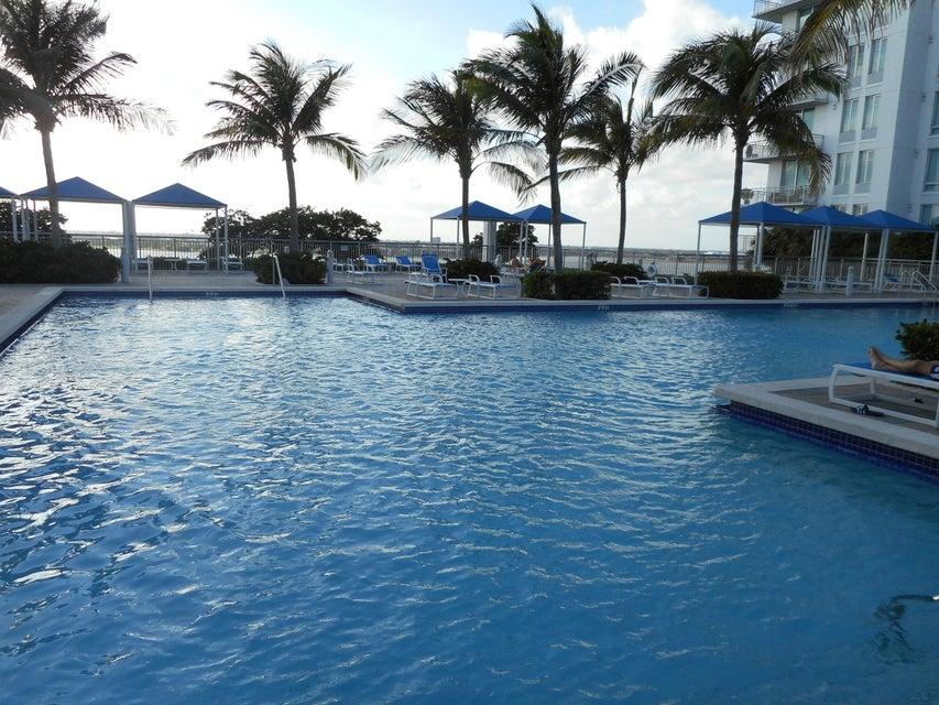 Clear Lake Avenue West Palm Beach Fl