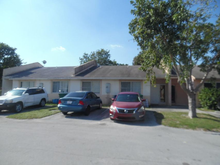 18224 NW 40th Place, Miami Gardens, FL 33055