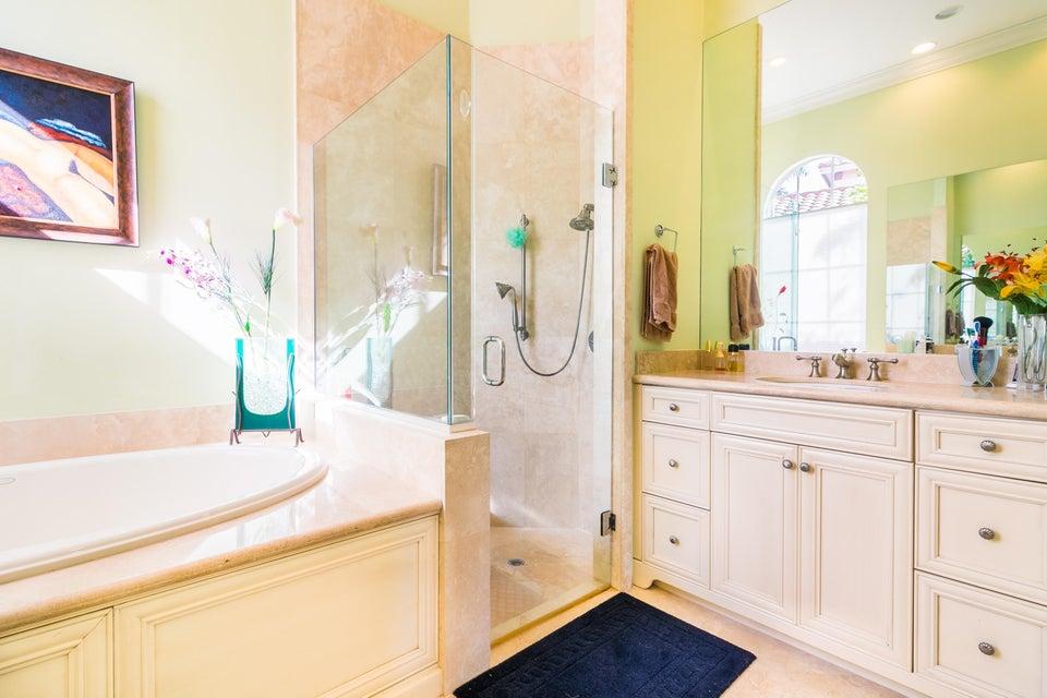 Additional photo for property listing at 229 SE Bella Strano 229 SE Bella Strano Port St. Lucie, Florida 34984 Estados Unidos