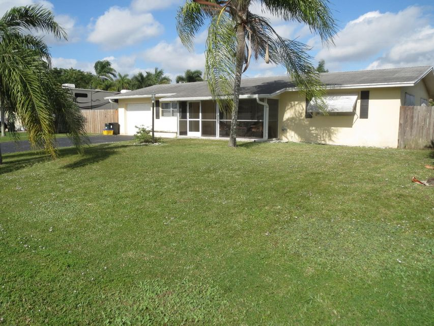 26 W Palmetto Road , Lake Worth FL 33467 is listed for sale as MLS Listing RX-10289688 12 photos
