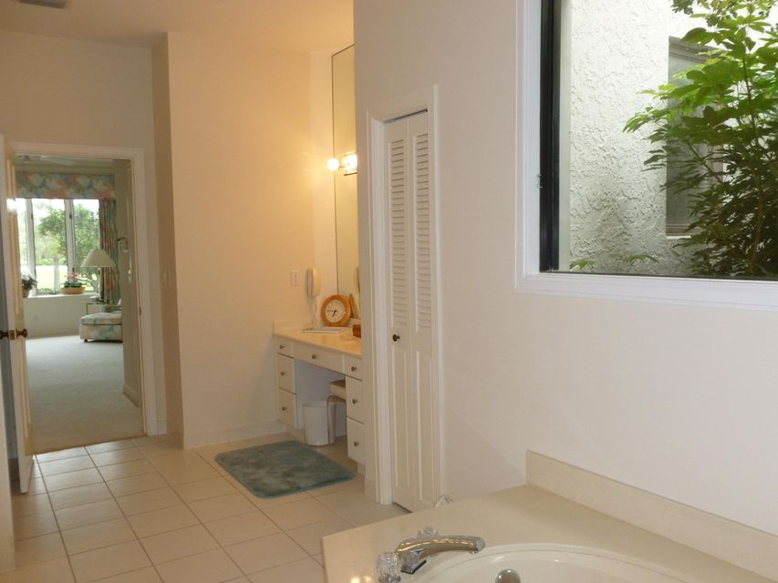 Additional photo for property listing at 12031 SE Birkdale Run 12031 SE Birkdale Run Jupiter, Florida 33469 Estados Unidos
