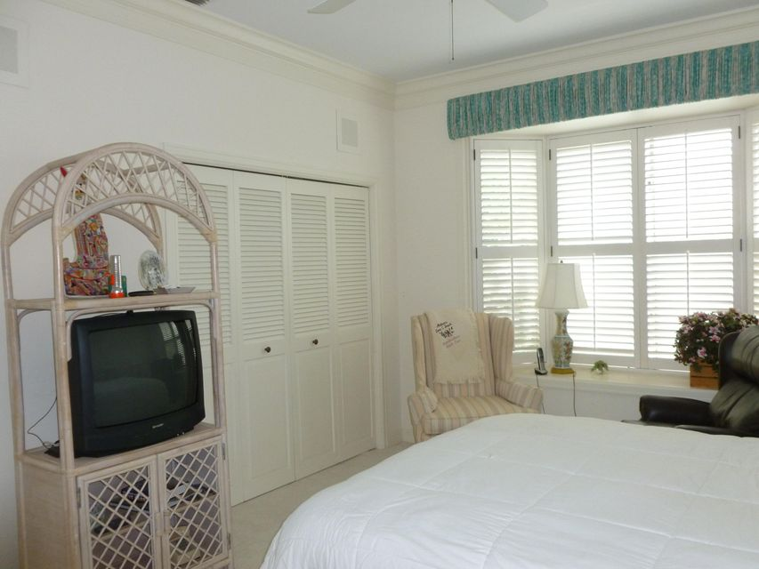 Additional photo for property listing at 12031 SE Birkdale Run 12031 SE Birkdale Run Tequesta, Florida 33469 United States