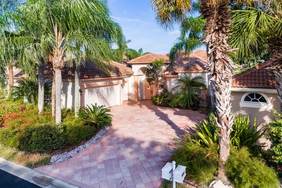 10766 Greenbriar Villa Drive, Wellington, FL 33449