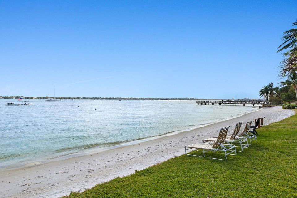 ... West Palm Beach FL 33407   MLS RX-10290101 $215,000   PALM BEACH HOUSE