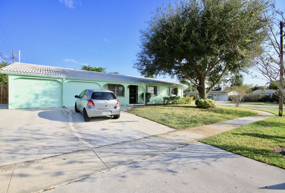 Home for sale in PALM SPRINGS VILLAGE 4 Lake Worth Florida