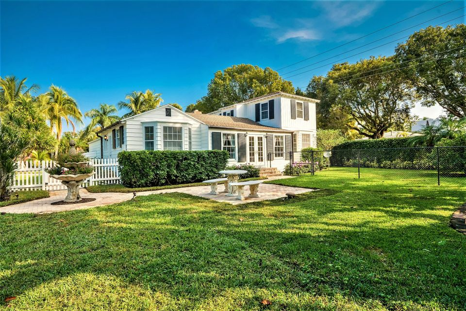 Additional photo for property listing at 800 Claremore Drive  West Palm Beach, Florida 33401 Estados Unidos