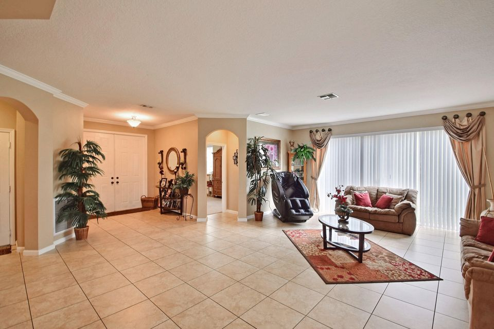 11257 SW Kingslake Circle, Port Saint Lucie, FL 34987