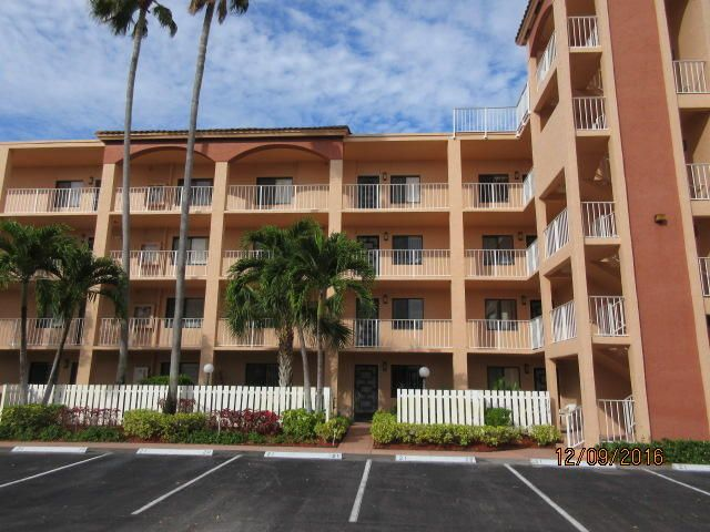 Co-op / Condo للـ Sale في 6241 Pointe Regal Circle Delray Beach, Florida 33484 United States