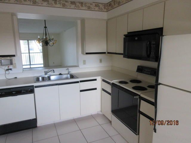 Additional photo for property listing at 6241 Pointe Regal Circle  Delray Beach, Florida 33484 United States