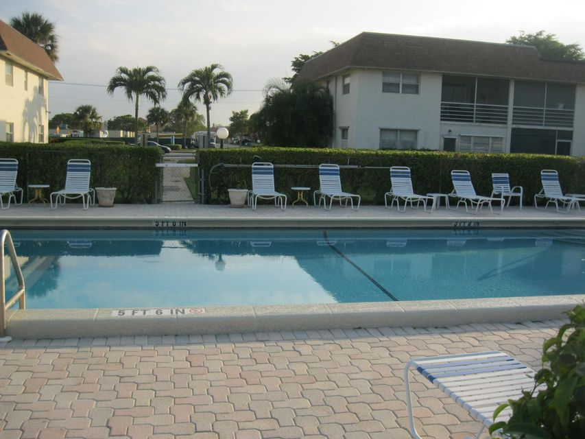 Additional photo for property listing at 9855 Sandalfoot Boulevard  Boca Raton, Florida 33428 United States