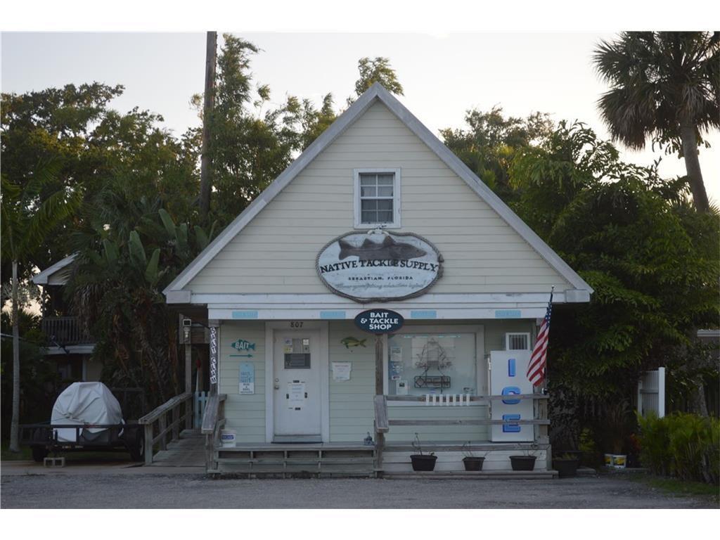 807 Indian River Drive, Sebastian, FL 32958