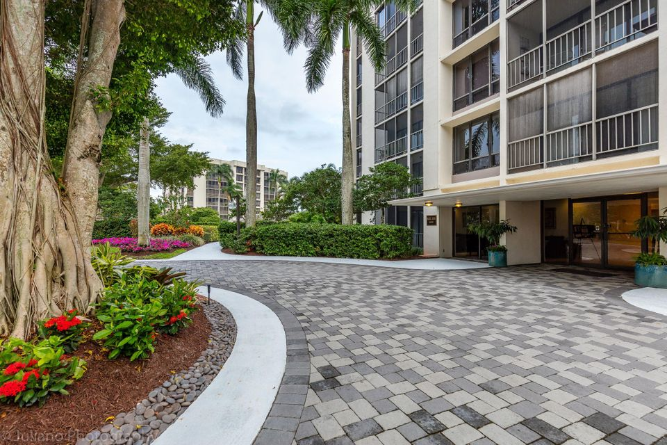 Additional photo for property listing at 6805 Willow Wood Drive  Boca Raton, Florida 33434 United States