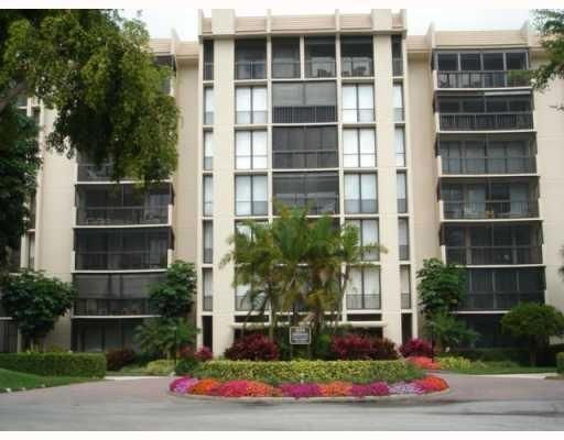 Co-op / Condo for Sale at 7819 Lakeside Boulevard 7819 Lakeside Boulevard Boca Raton, Florida 33434 United States