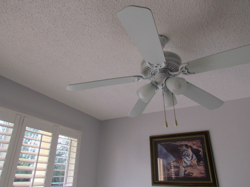 Additional photo for property listing at 206 Wellington L 206 Wellington L West Palm Beach, Florida 33417 United States