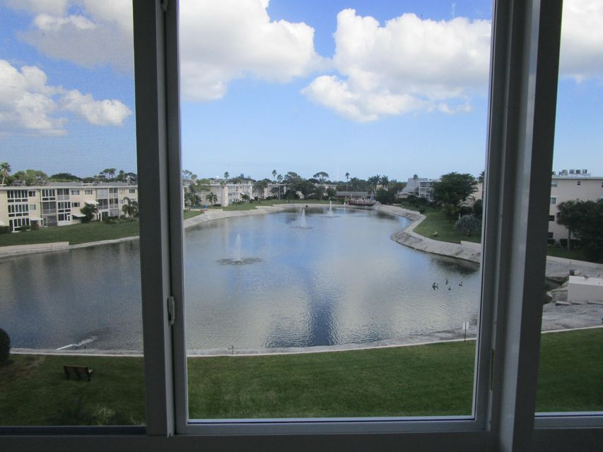 Co-op / Condo for Sale at 2728 N Garden Drive Lake Worth, Florida 33461 United States