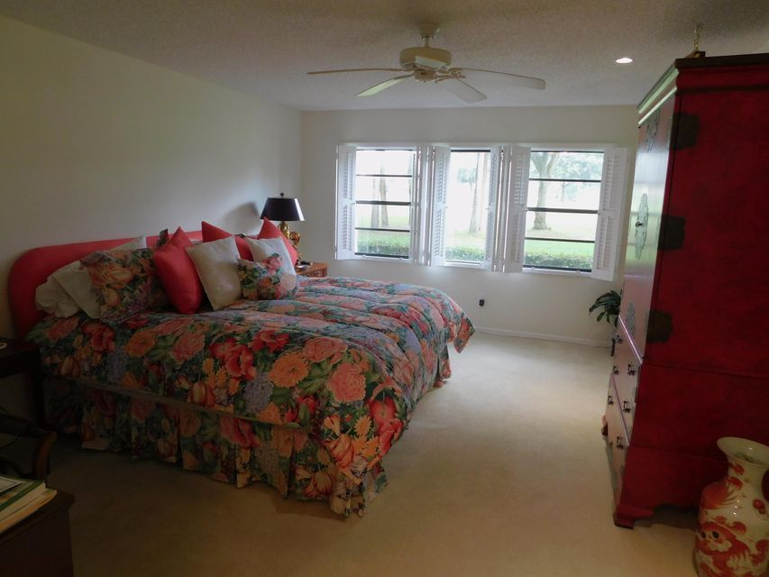 Additional photo for property listing at 9 Westgate Lane  Boynton Beach, Florida 33436 United States