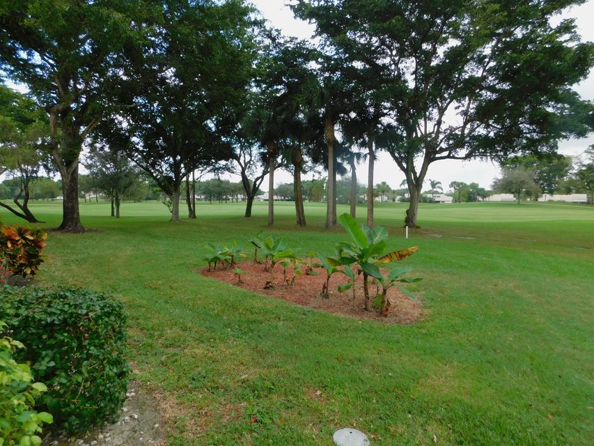 Additional photo for property listing at 9 Westgate Lane 9 Westgate Lane Boynton Beach, Florida 33436 United States