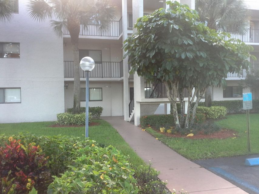 Additional photo for property listing at 15461 Pembridge Drive  Delray Beach, Florida 33484 Vereinigte Staaten