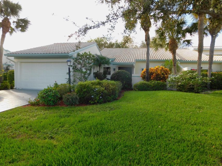 31 Cambridge Drive, Boynton Beach, FL 33436
