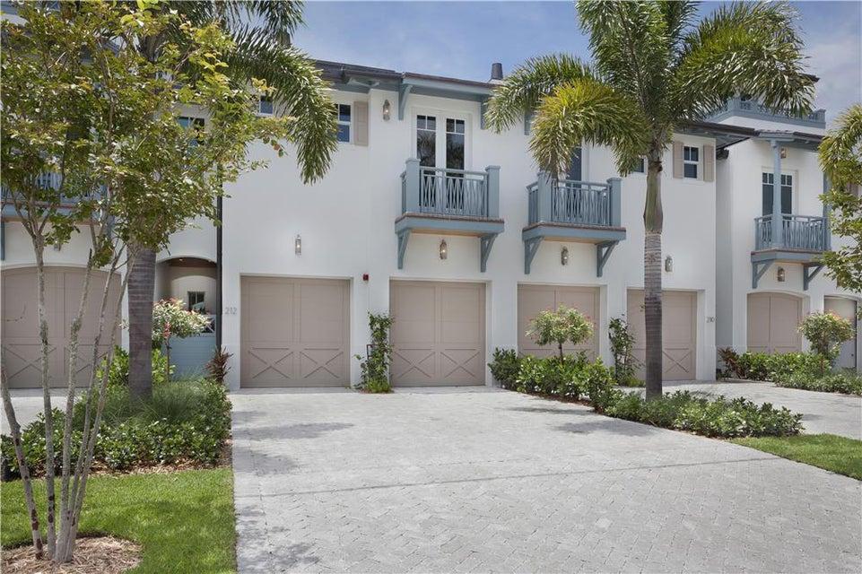210 Venetian Drive, Delray Beach, FL 33483