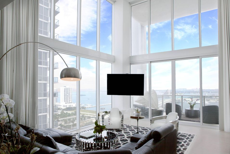 Condominium for Sale at 1040 Biscayne Boulevard # 2704 1040 Biscayne Boulevard # 2704 Miami, Florida 33132 United States