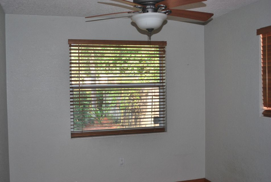Additional photo for property listing at 423 S L Street 423 S L Street Lake Worth, Florida 33460 Estados Unidos