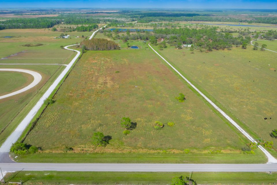 Additional photo for property listing at 7663 NE 120th Street  Okeechobee, Florida 34972 Estados Unidos