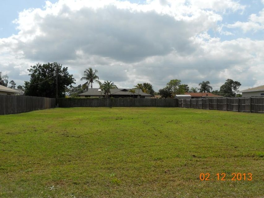 Additional photo for property listing at 978 SE Bywood Avenue  St. Lucie West, 佛罗里达州 34983 美国
