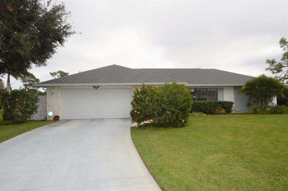 5113 Echo Pines Circle E, Fort Pierce, FL 34951