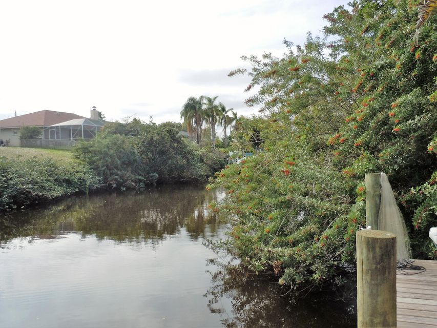 Additional photo for property listing at Seahouse Drive SE  Port St. Lucie, Florida 34983 Estados Unidos