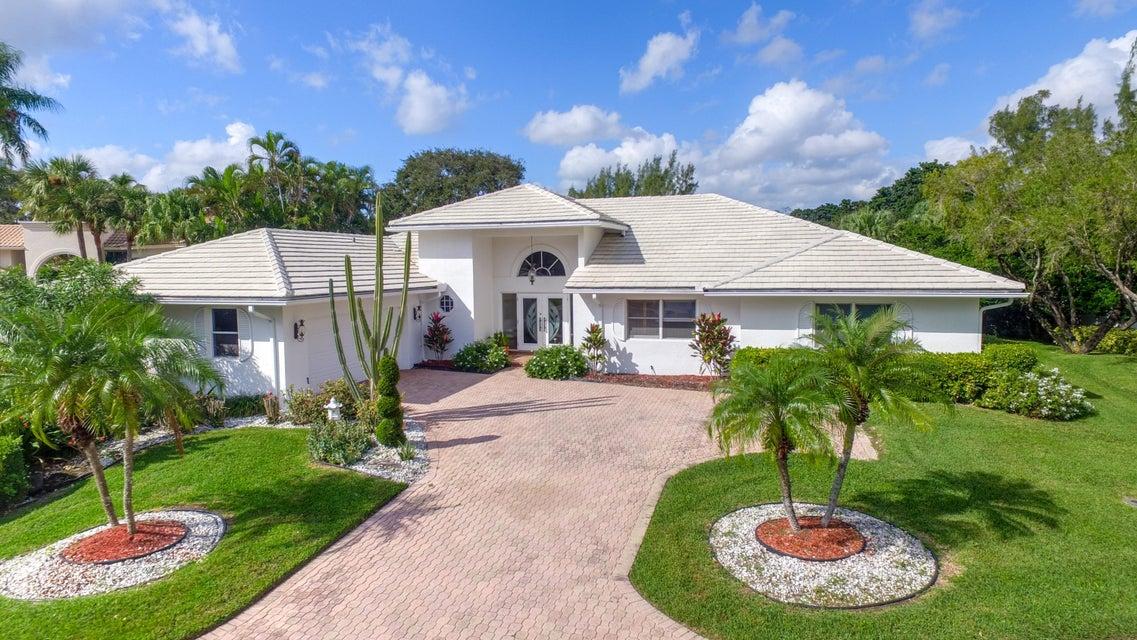 17 Sutton Drive, Boynton Beach, FL 33436
