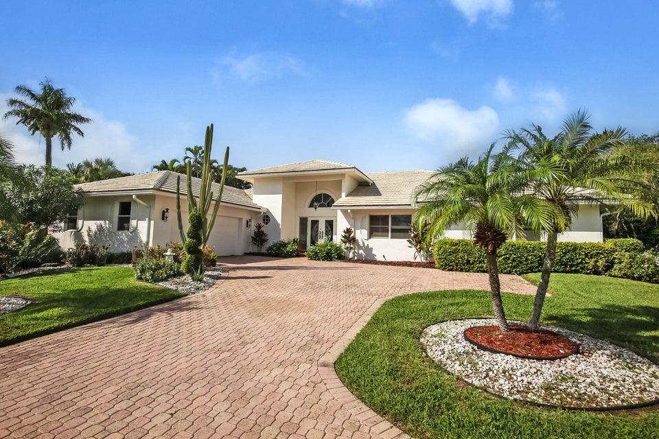 17 Sutton Drive Boynton Beach FL 33436 | $ 599,000 | MLS# RX-10293499