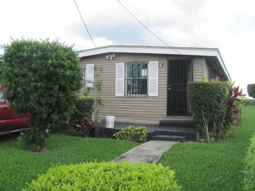 900 Rickey Jackson Boulevard, Pahokee, FL 33476