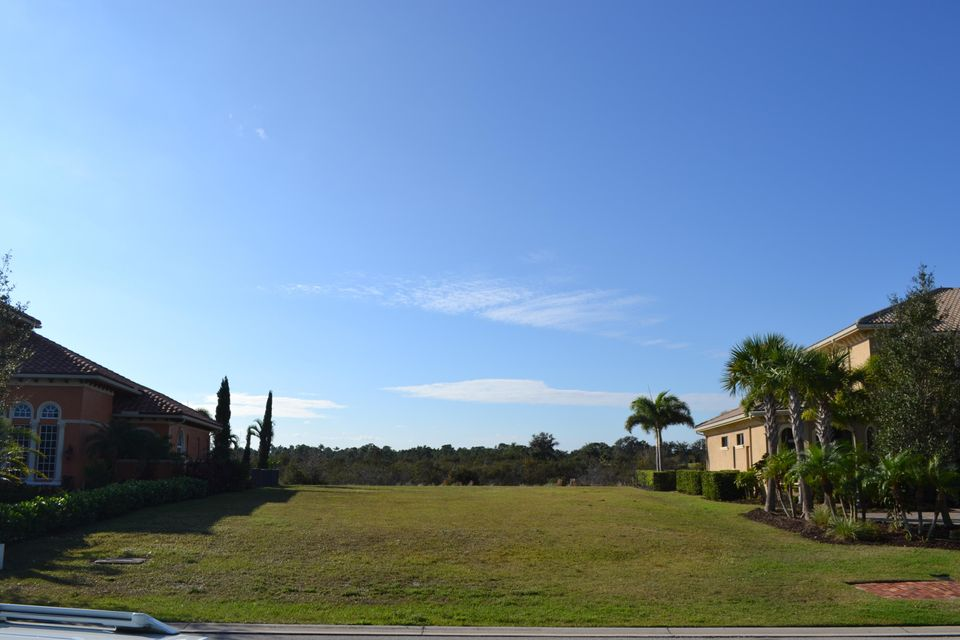 Additional photo for property listing at 126 SE Tramonto Street  Port St. Lucie, Florida 34984 Estados Unidos