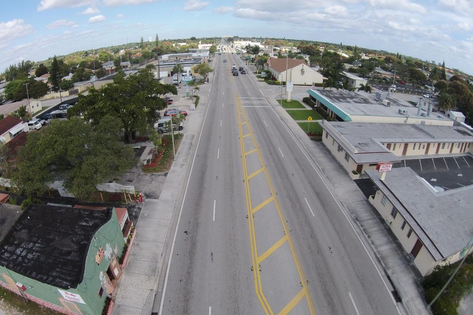 Additional photo for property listing at 711 & 717 N Dixie Highway 711 & 717 N Dixie Highway Lake Worth, Florida 33460 United States