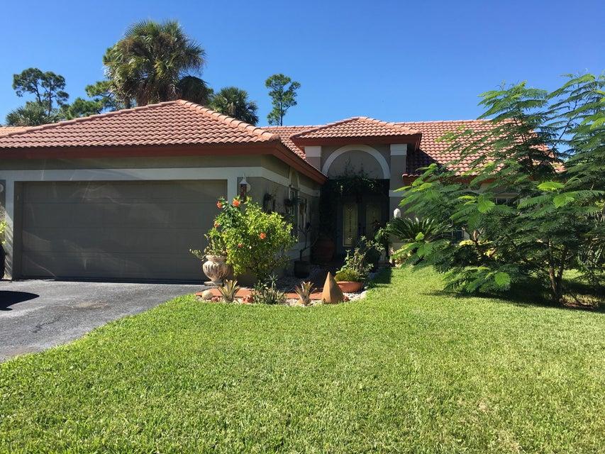 1111 New Parkview Place, West Palm Beach, FL 33417