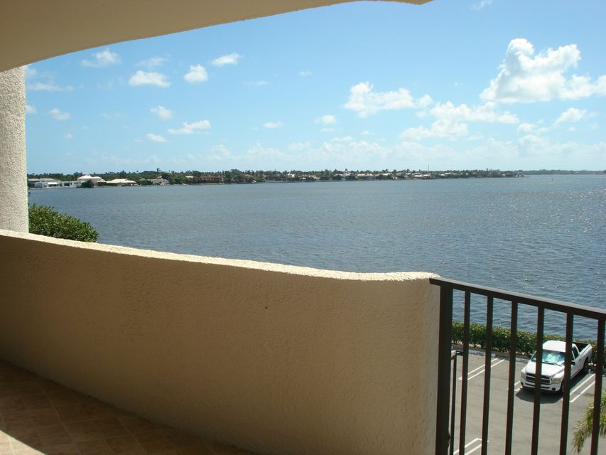 Additional photo for property listing at 1200 S Flagler Drive  West Palm Beach, Florida 33401 États-Unis