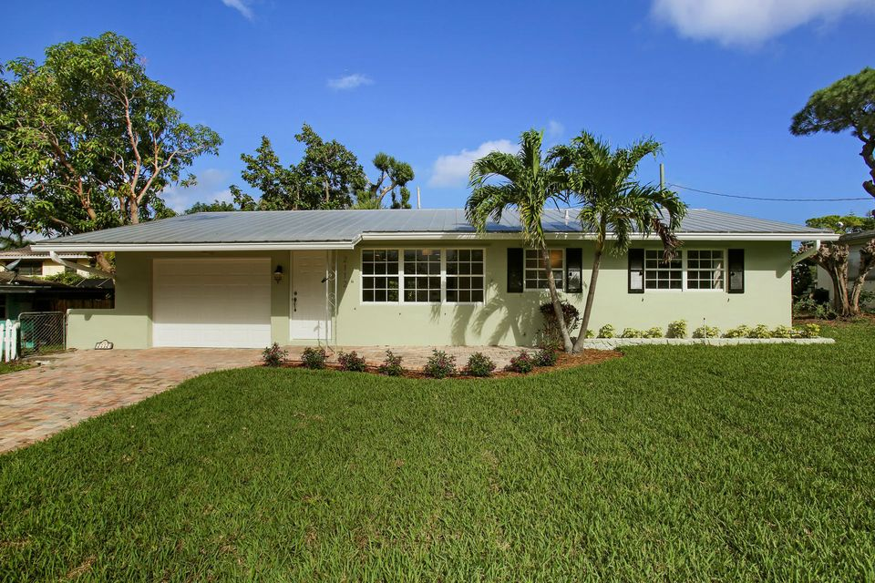2112 Collier Avenue  Lake Worth, FL 33461