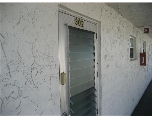 721 Lori Drive 302, Palm Springs, FL 33461