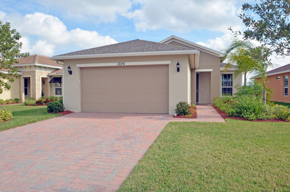 12251 SW Weeping Willow Avenue, Port Saint Lucie, FL 34987