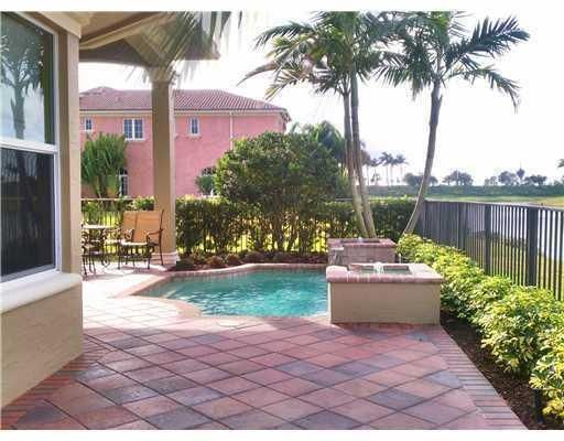 Additional photo for property listing at 154 SE Santa Gardenia 154 SE Santa Gardenia Port St. Lucie, Florida 34984 United States