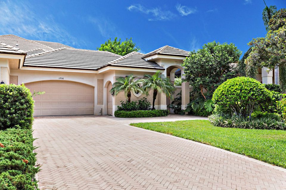 11936 SE Birkdale Run, Tequesta, FL 33469