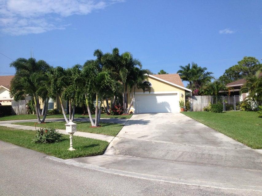 1338 W Indies Way, Lantana, FL 33462