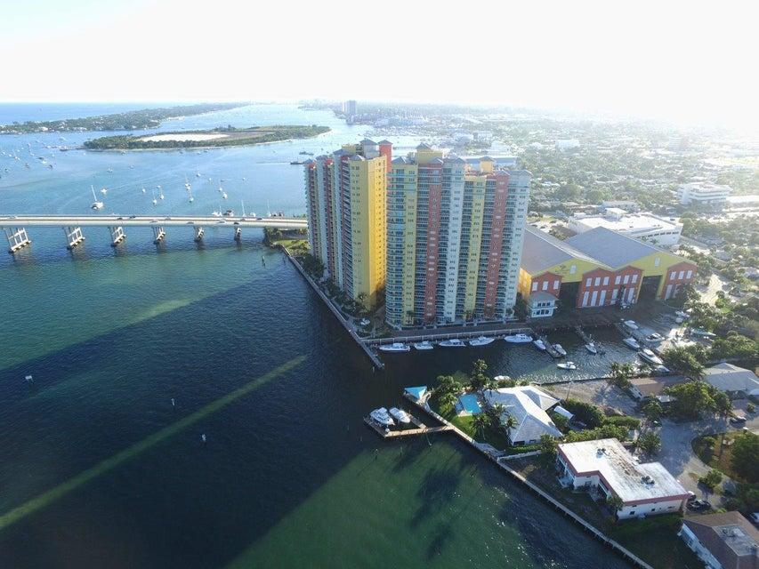 2650 Lake Shore Drive 806, Riviera Beach, FL 33404