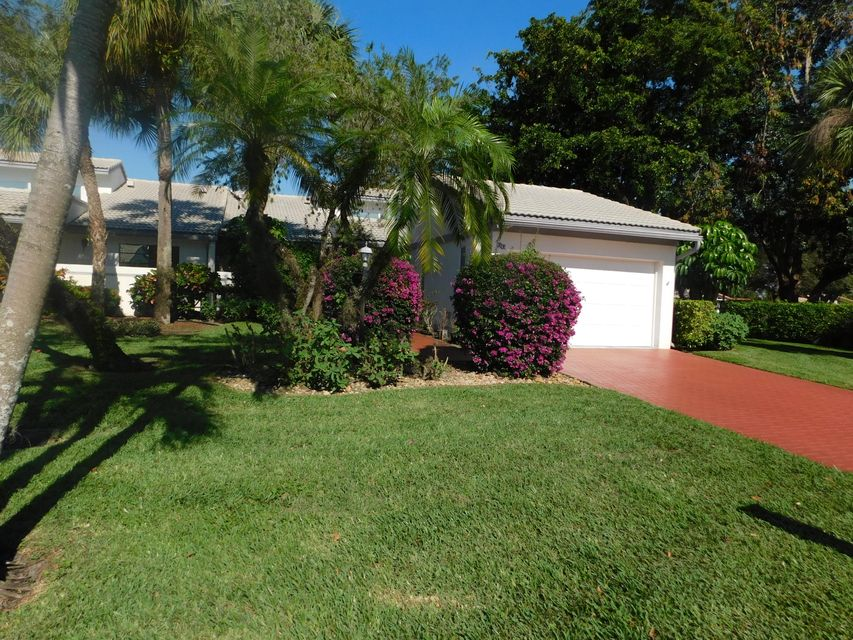 99 Cambridge Lane, Boynton Beach, FL 33436