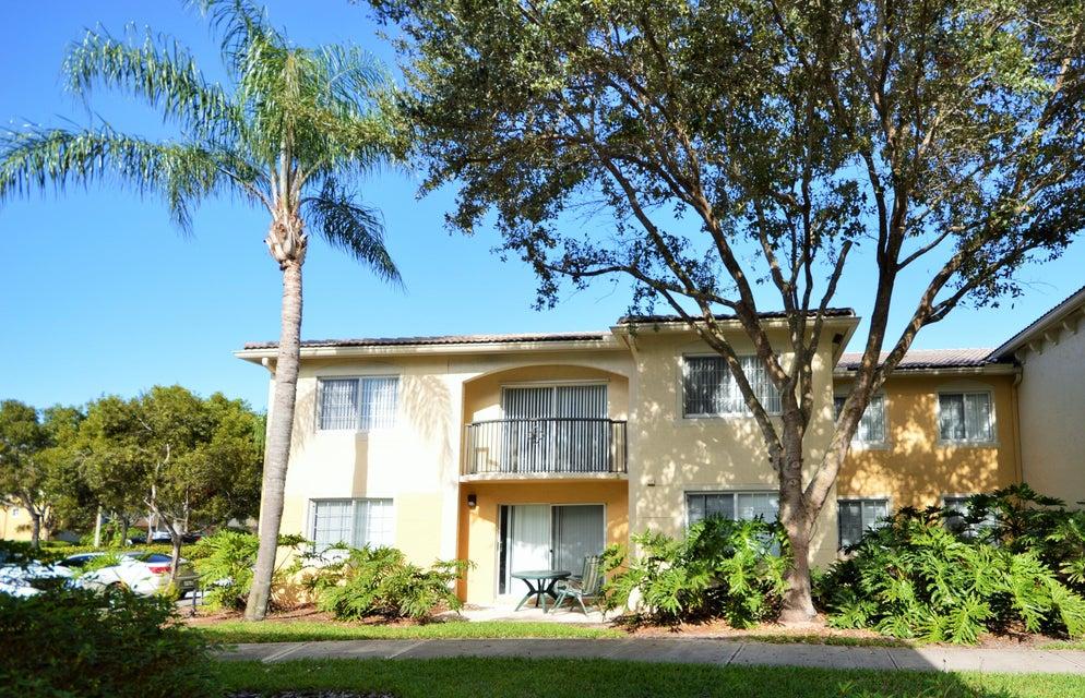 1200 Crestwood Court 1212  Royal Palm Beach, FL 33411