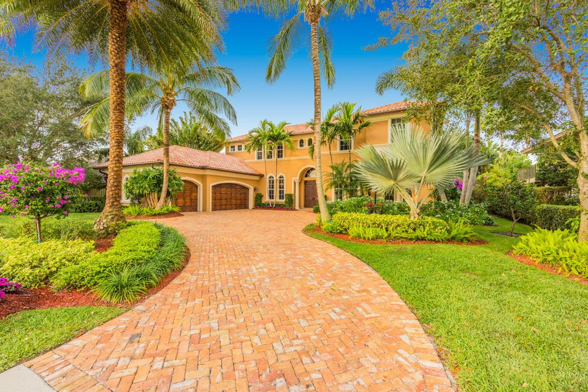 16 Carrick Road Palm Beach Gardens Fl 33418 Rx 10296436 In Pga National